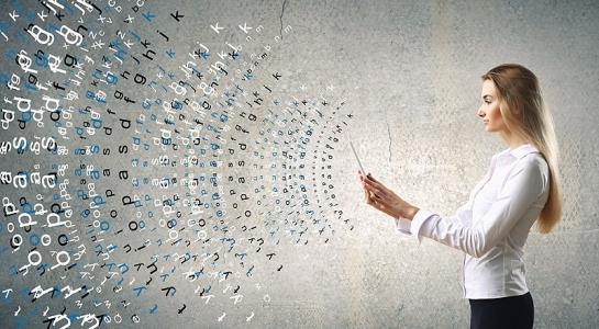 Schriften im Internet (Foto Sergey Nivens, © iStock)