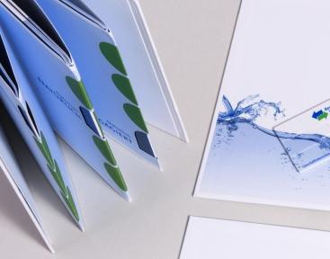 USB-Stick integriert ins Cover des Corporate Books, Berliner Wasserbetriebe